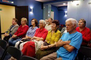 Творческое мероприятие провели в центре социального обслуживания района. Фото: Денис Кондратьев