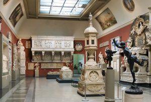 Выставки столичных музеев теперь можно посетить не выходя из дома. Фото: сайт мэра Москвы