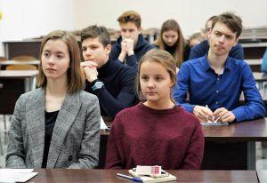 Школьный учебный год начнется 1 сентября. Фото: Денис Кондратьев
