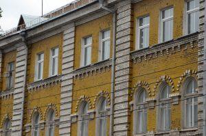 Помещение в доме конца XIX века выставили на торги в районе. Фото: Анна Быкова