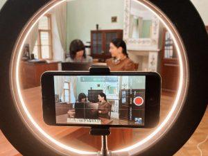 Сотрудники библиотеки района организуют онлайн-встречу. Фото предоставили в библиотеке-читальне имени Александра Пушкина