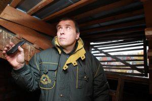 Представители «Жилищника» осмотрели отселенные дома в районе на безопасность. Фото: Наталия Нечаева, «Вечерняя Москва»