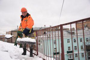 Уборку крыш от снега и наледи проведут в районе. Фото: Пелагия Замятина, «Вечерняя Москва»