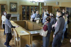 Сотрудники Пушкинской библиотеки проведут экскурсию по учреждению. Фото предоставили в библиотеке-читальне имени Александра Пушкина